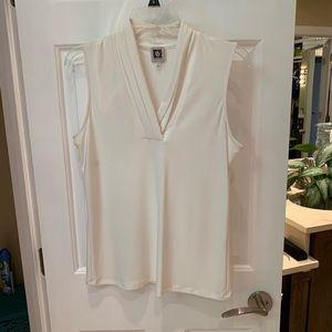Cream v-neck sleeveless layering top